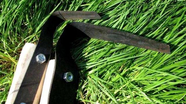 Особенности работы плоскорезом (тяпкой) Фокина, плюсы и минусы инструмента