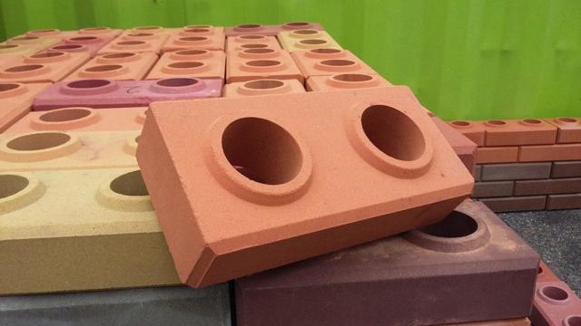 Лего кирпич: описание и виды материала, классификация оборудования для его производства