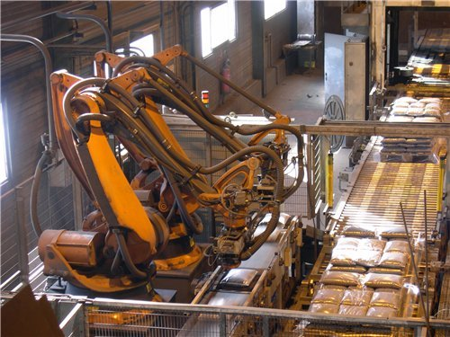 Дробеструйная обработка металла: преимущества и особенности технологии, используемое оборудования