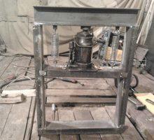 Гидравлический пресс: изготовление своими руками из автомобильного домкрата