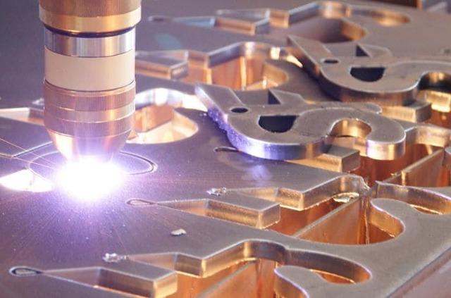 Особенности выбора гильотины для резки металла: виды, принцип работы и характеристики