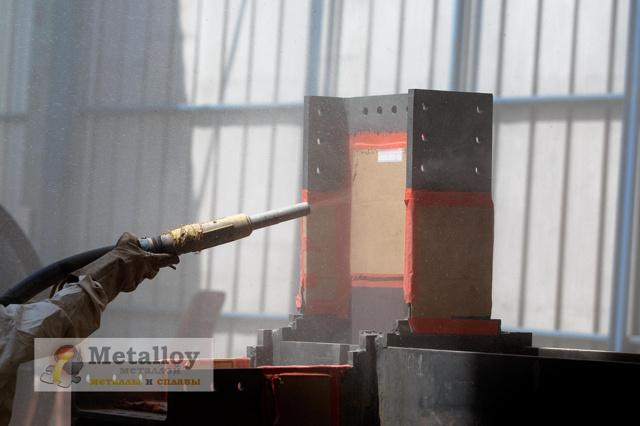 Пескоструйная обработка металла: достоинства метода, особенности проведения, использование в бытовых условиях