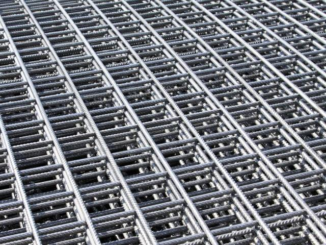 Оцинкованная сварная сетка: технология производства и преимущества, применение