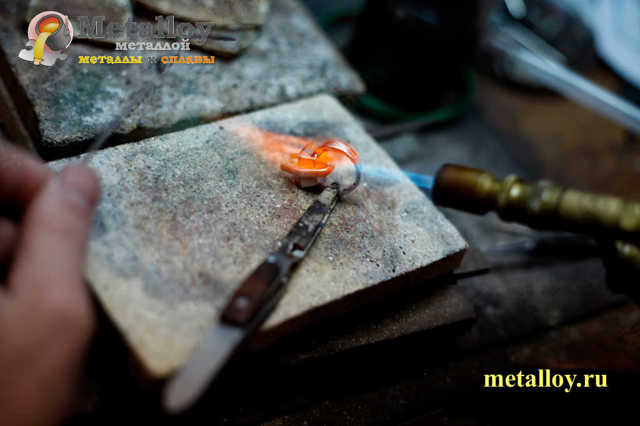 Плавка серебра: характеристики и свойства, температура и процесс плавления, этапы и рекомендации
