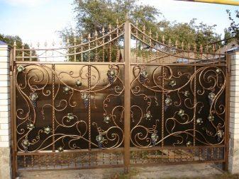 Кованые изделия: использование изделий из металла в сфере ландшафтного дизайна