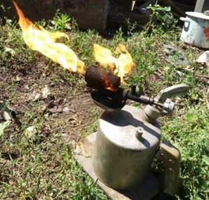 Бензиновая паяльная лампа: особенности конструкции, технические характеристики и правила использования