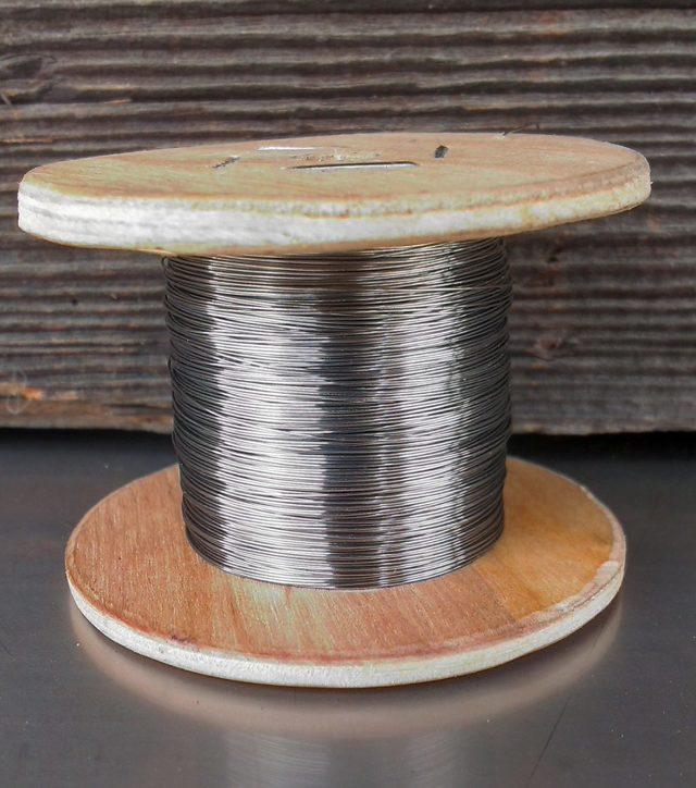 Нихромовая нить: состав, применение и свойства нихрома; производство проволоки
