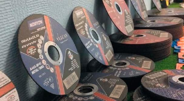 Шлифовальный круг для болгарки по дереву: описание и свойства пильного диска