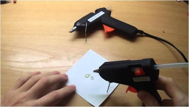 Выбор клеевого стержня 7 и 11 мм для термоклеящего пистолета: параметры и специфика работы