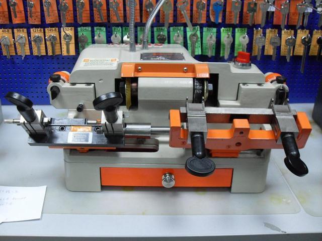 Обзор станков для изготовления дубликатов различных ключей, включая домофонные
