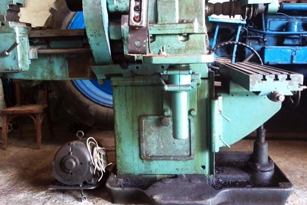Какие токарные работы производит токарь по металлу на различных станках