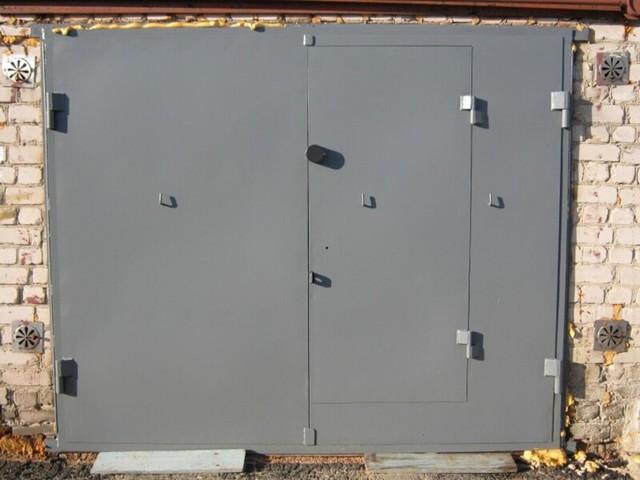 Особенности изготовления подъемных ворот на гараж своими руками: плюсы, инструменты и материалы, изготовление
