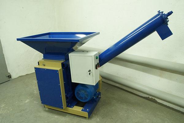 Выбор дробилки для зерна: описание достоинств и недостатков разных видов бытовых машин