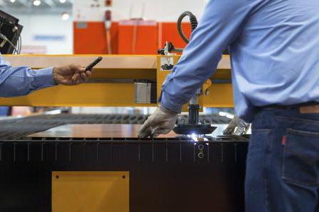 Резка металла лазером и особенности применения лазерного метода, преимущества, сфера применения