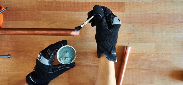 Как паять медные трубы: описание процесса пайки трубок из меди, рекомендации по использованию припоя и флюса