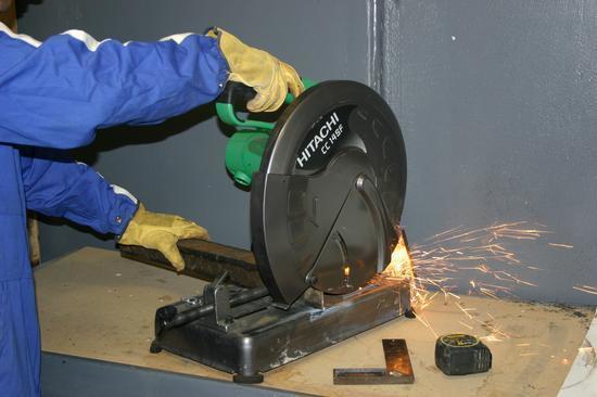 Особенности выбора отрезной пилы по металлу: применение, устройство, разновидности