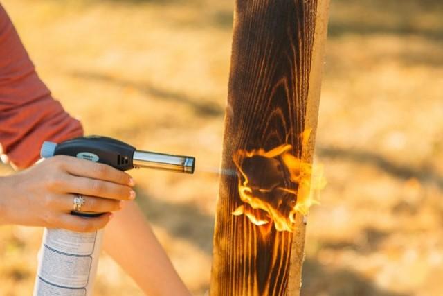 Браширование древесины своими руками: способы, этапы брашировки дерева, необходимые инструменты