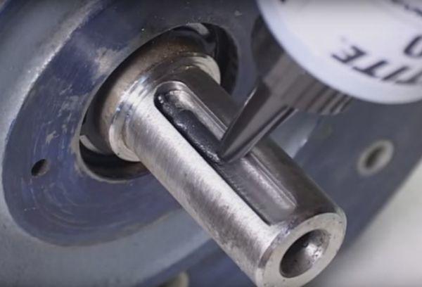 Клей для металла: характеристики и особенности, преимущества и критерии выбора, состав и правила применения