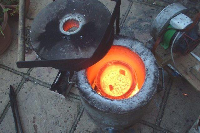 Процесс плавки латуни в домашних условиях, температура плавления и необходимые инструменты