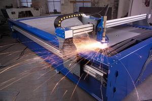 На чем основывается принцип работы плазменного станка для резки металла с ЧПУ