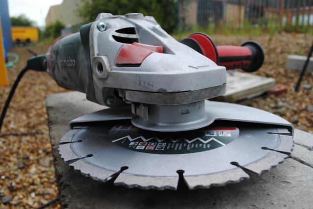 Алмазные диски по бетону: отрезные и шлифовальные, особенности использования и выбора