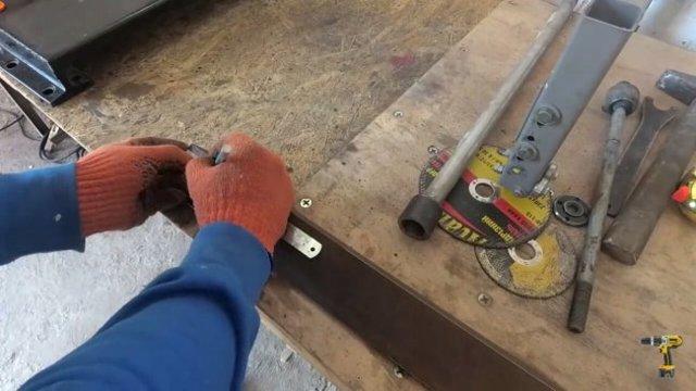 Быстрозажимная самодельная струбцина своими руками из металла