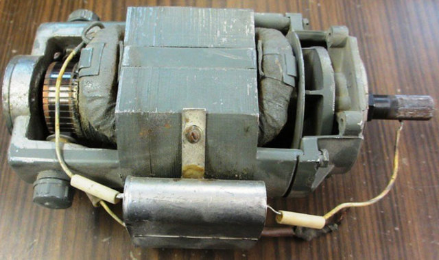 Подключение трехфазного двигателя к однофазной сети: схемы соединения обмоток и конденсаторы, емкость, реверс
