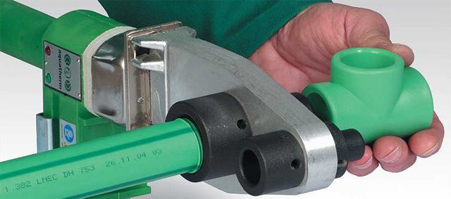 Особенности утюга для пайки полипропиленовых труб: виды, советы по выбору и использованию