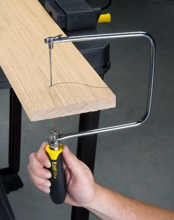 Ручной лобзик по дереву: критерии выбора, рекомендации по работе, конструктивные особенности инструмента