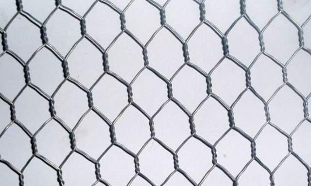 Преимущества установки сварной сетки для забора с точки зрения практичности